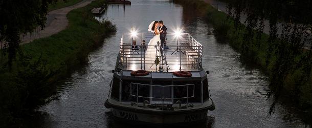 Svatba na výletní  lodi Morava